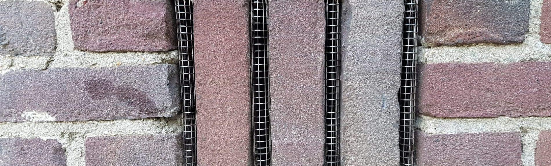 Wering van Ongedierte - Vermex Ongediertebestrijding - roosters en dichten van kieren met RVS en cement